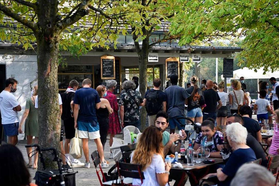 Beliebtes Ziel: Die Gastronomie am Nordwestrand des Geländes  | Foto: Thomas Kunz