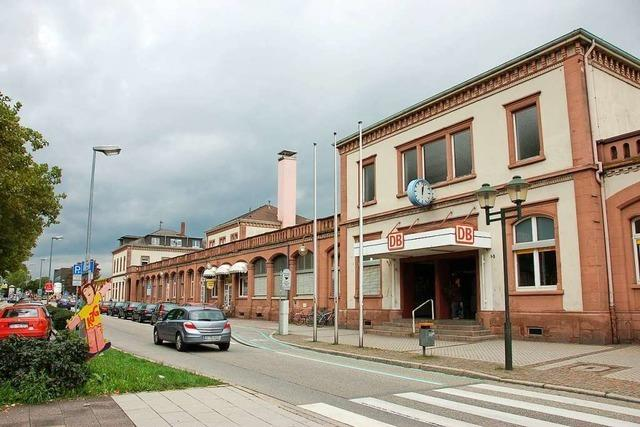 Nach Messerattacke am Bahnhof – Polizei sucht Zeugen