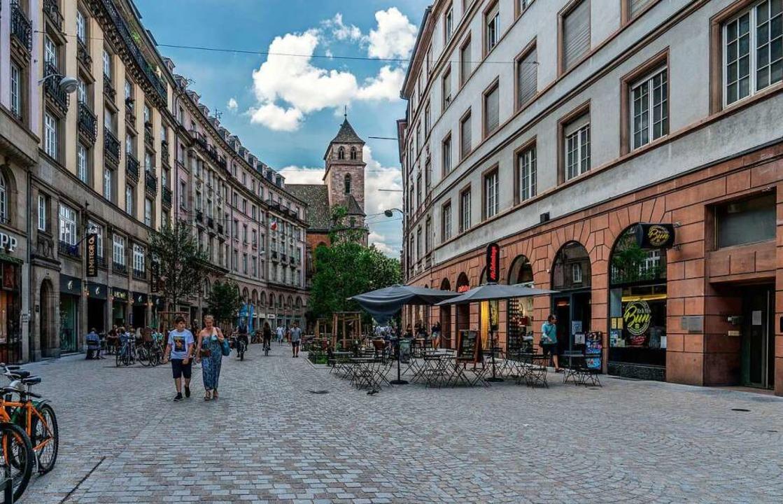 In Teilen Straßburgs ist es ab Donners...h mit mehr als 10 Personen zu treffen.  | Foto: teli