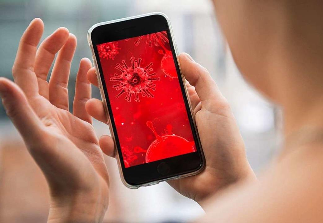 Die Nachricht über mehrere Risikokonta...h schnell über die sozialen Netzwerke.    Foto: Robert Günther (dpa)