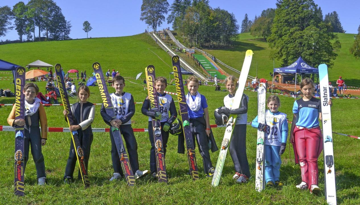 Bodenständige junge Hüpfer vor der Wir...kispringer werden im Sommer gemacht.    | Foto: Helmut Junkel