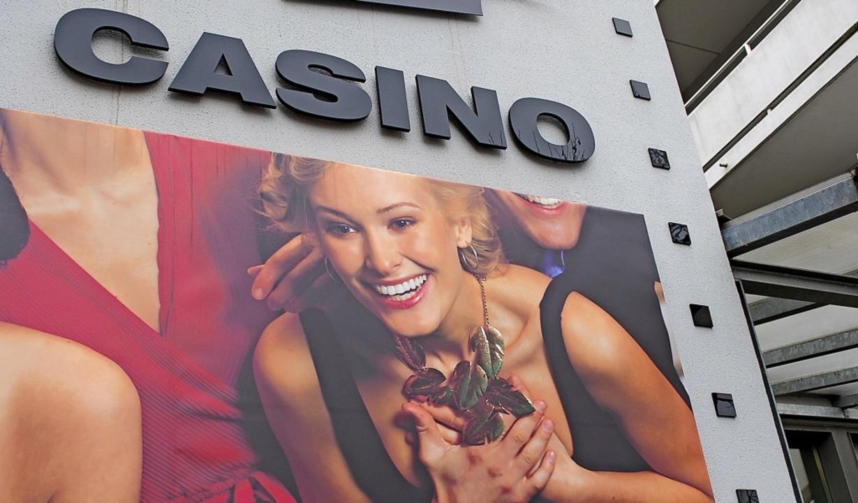 Spielhallen und Wettbüros haben  die T...n, weil sie mehr Mieten zahlen können.  | Foto: Thomas Loisl Mink