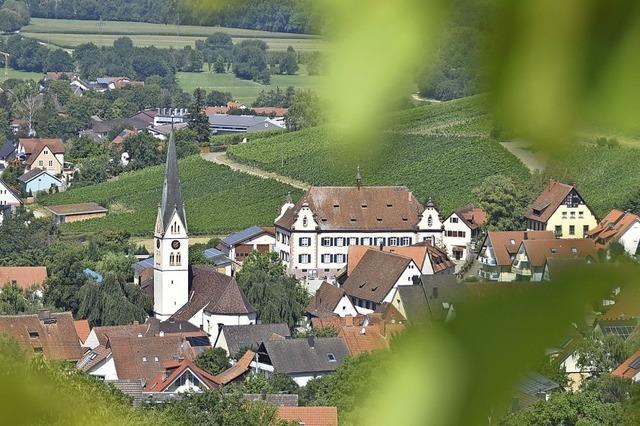 Bürgermeistern von Pfaffenweiler und Ebringen liegen historische Gebäude am Herzen