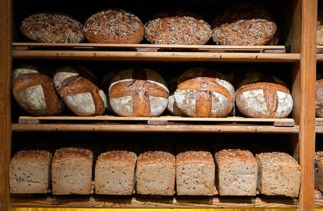 Brot gehört zu unseren Grundnahrungsmitteln.  | Foto: Rainer Jensen (dpa)