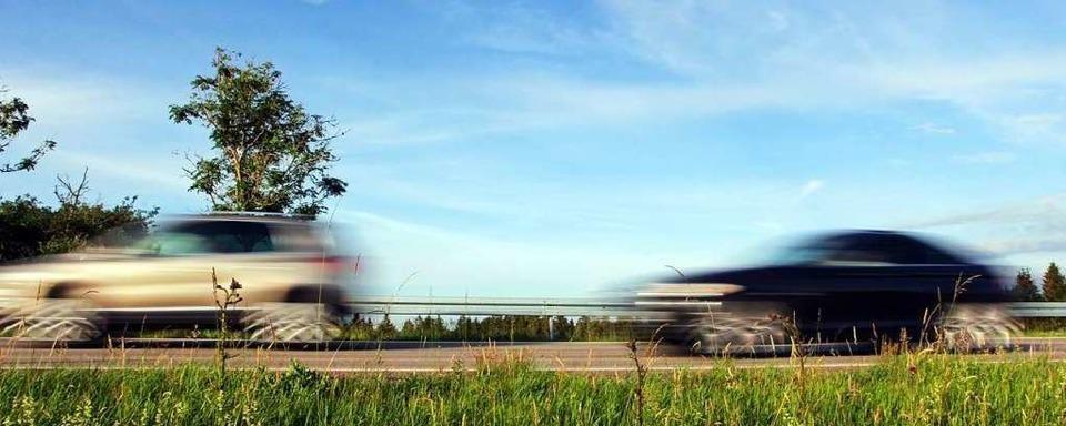 Polizei sucht Zeugen eines illegalen Autorennens bei Heitersheim