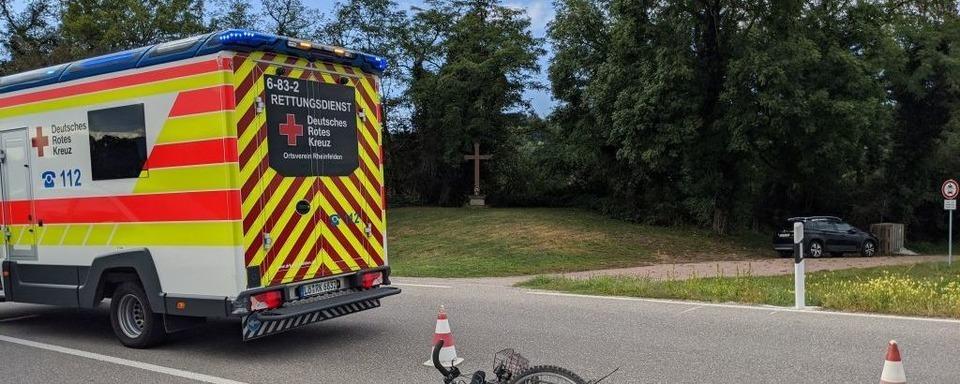 Fahrradfahrer bei Unfall auf der B34 schwer verletzt