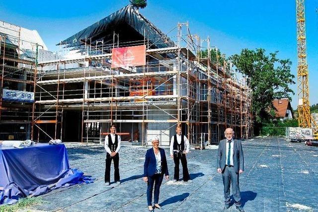 Neubau der Sick-Akademie wird bei Richtspruch gefeiert