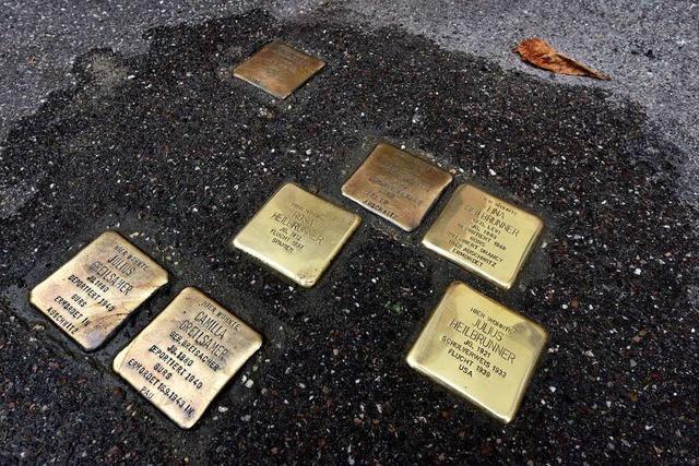 23 neue Stolpersteine in Freiburg erinnern an jüdische Familien