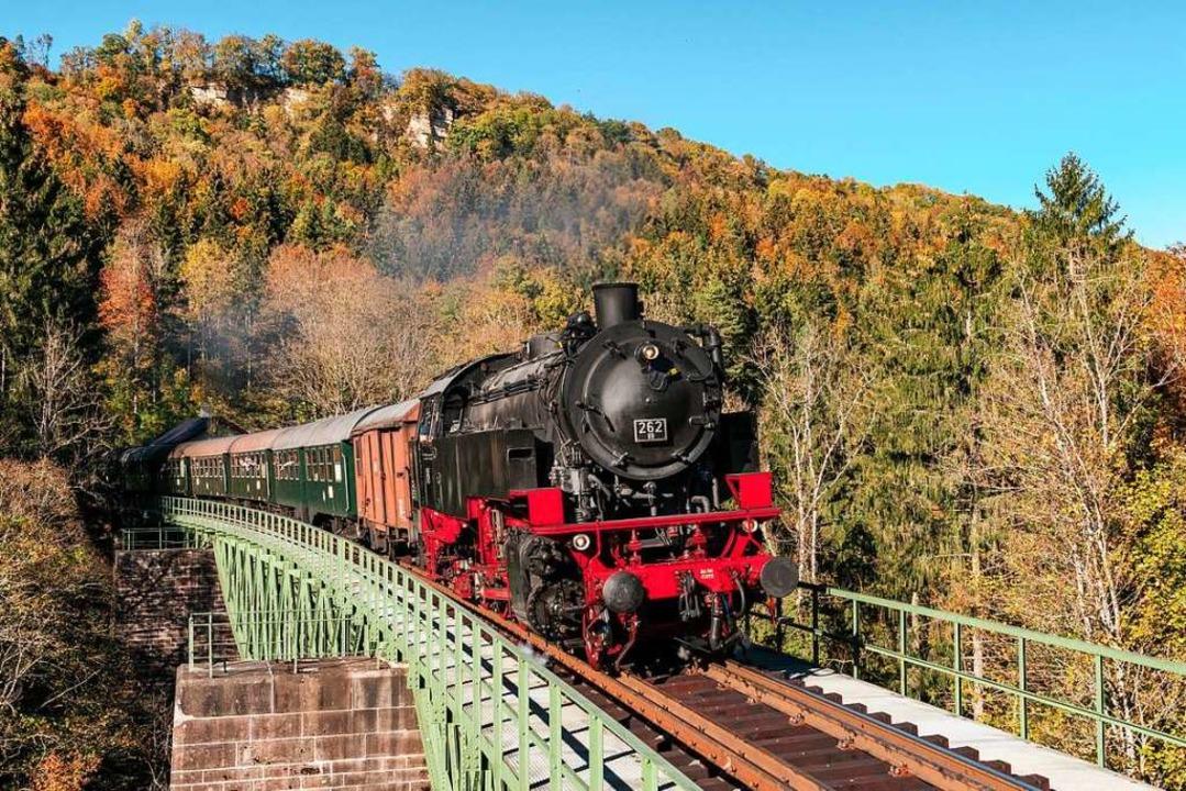 Sollen künftig mit der DreiWeltenCard ...önnen: die Sauschwänzlebahn<ppp></ppp>  | Foto: MATTHIAS KING