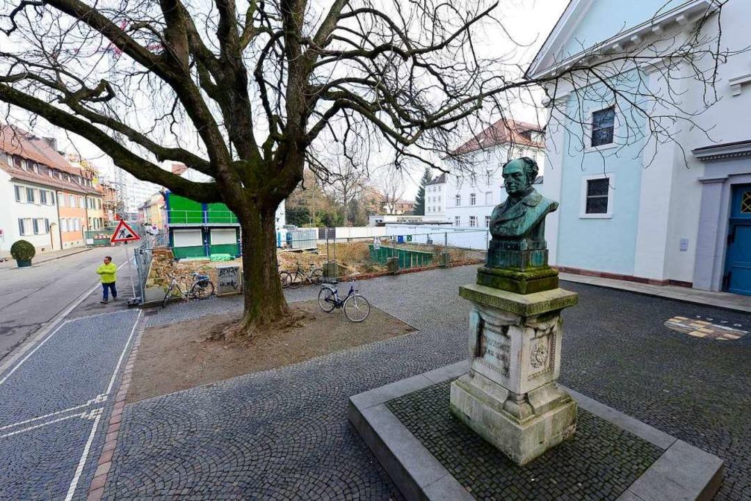 Das gesamte Ensemble vor der Konviktskirche steht unter Denkmalschutz.  | Foto: Ingo Schneider