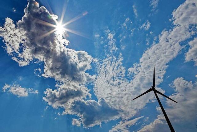 Energie aus Wind und Sonne wird immer billiger, Atomstrom teurer