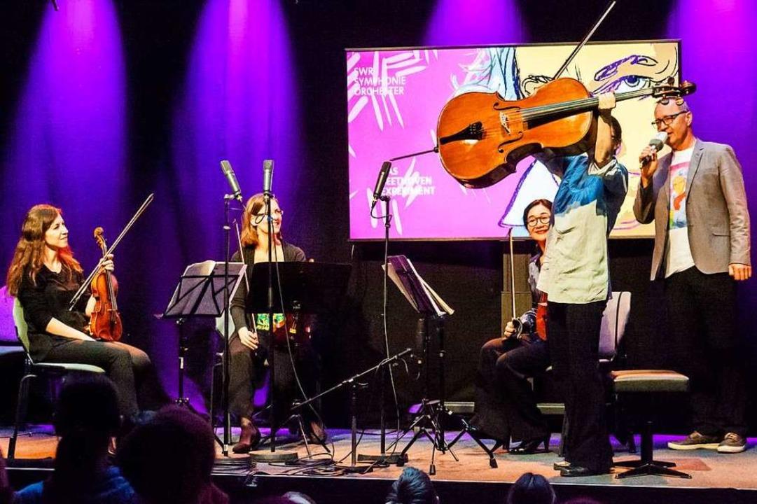 Musikinstrumente kindgerecht präsentie...h den Familienkonzerten am 25. Oktober  | Foto: Anja Limbrunner (SWR)