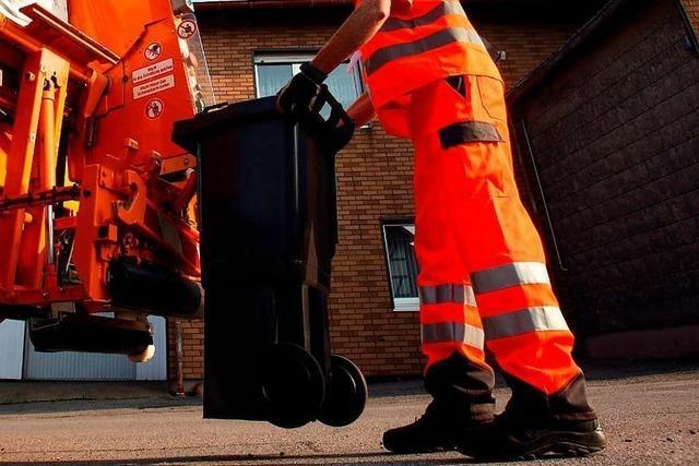 Bauschaum-Dose explodiert im Müllfahrzeug
