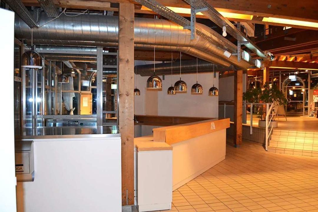Für die Gastronomie im Kurhaus Lenzkirch wird ein Pächter gesucht.   | Foto: Liane Schilling
