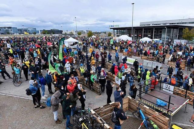 Rund 6000 Menschen haben in Freiburg für mehr Klimaschutz demonstriert