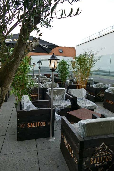 Philipp Schmidt und Mark Wycislik eröf...e zweite Hälfte wird zur Mallorca-Bar.    Foto: Dora Schöls