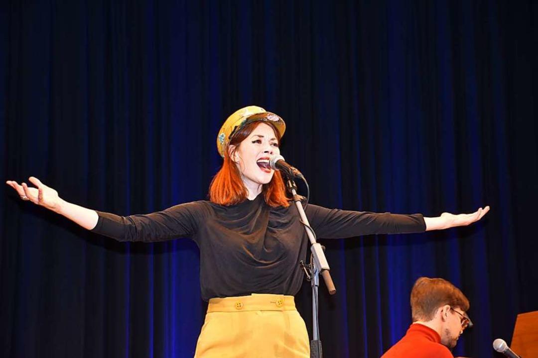 Magdalena Ganter eröffnete  das 12. Breitnauer Kleinkunstfestival.    Foto: Thomas Biniossek