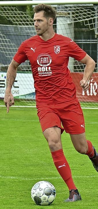 <BZ-FotoAnlauf>FC Auggen:</BZ-FotoAnlauf>  Moritz Walther trifft zum 3:3.   | Foto: Daniel Thoma