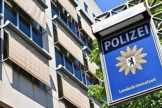 Rechtsextremismus in Polizei und Bundeswehr: Politik sollte aus Fehlern lernen