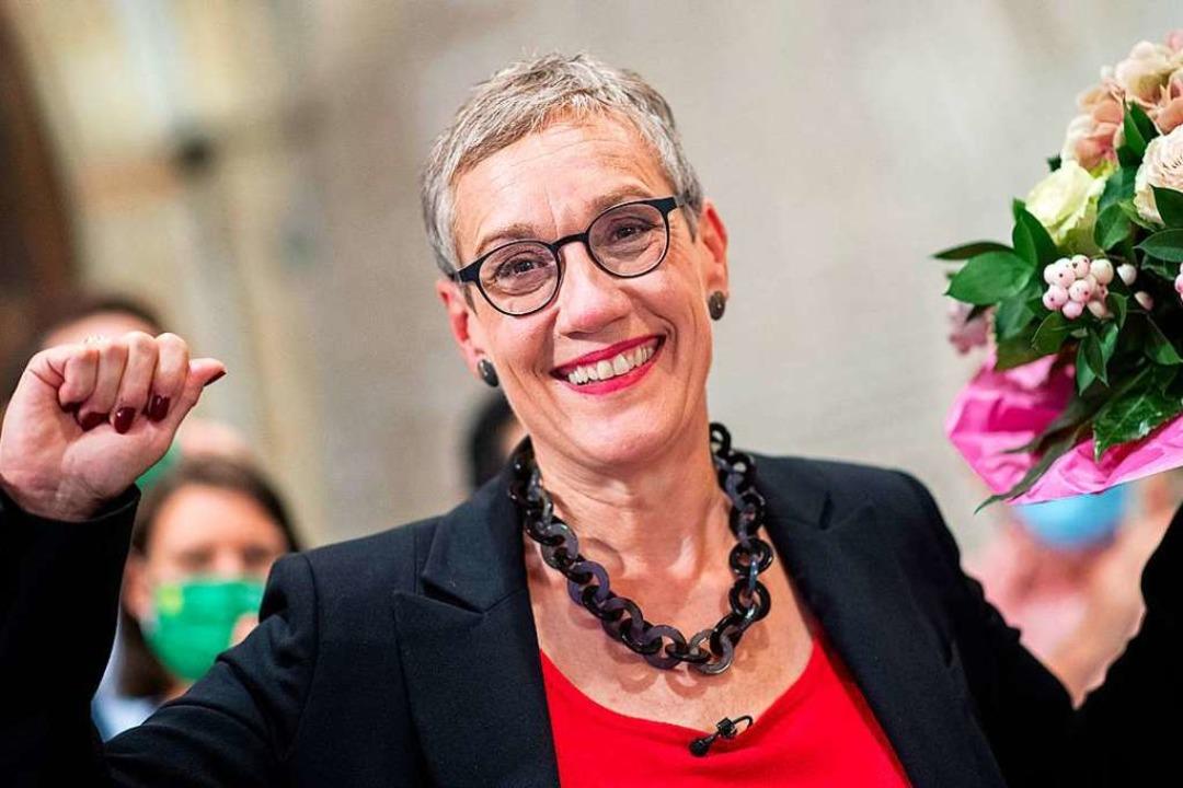 Aachen: Sibylle Keupen, Oberbürgermeis...lung der Wahlergebnisse der Stichwahl.  | Foto: Marius Becker (dpa)