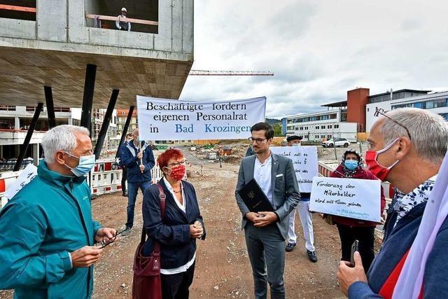Beim Richtfest für die neue Freiburger Kinderklinik gab es Protest