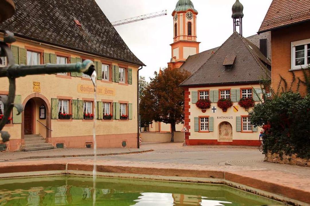 Zum Ortskern gehören das  Gasthaus Son...us. Bislang ist es nicht barrierefrei.  | Foto: Mario Schöneberg