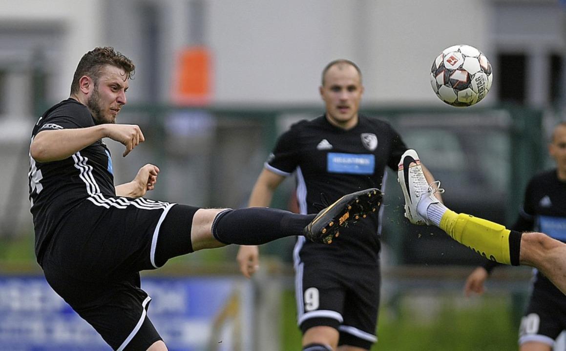 <BZ-FotoAnlauf>Bezirksliga:</BZ-FotoAn...drei Mal für den SV Solvay Freiburg.    | Foto: Patrick Seeger