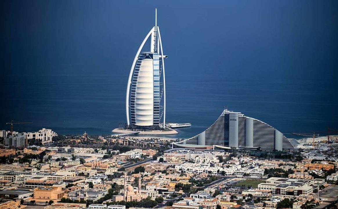 Hier, in Dubai, soll 2021/22 die Welta...; doch bei der Planung gibt es Pannen.  | Foto: KARIM SAHIB