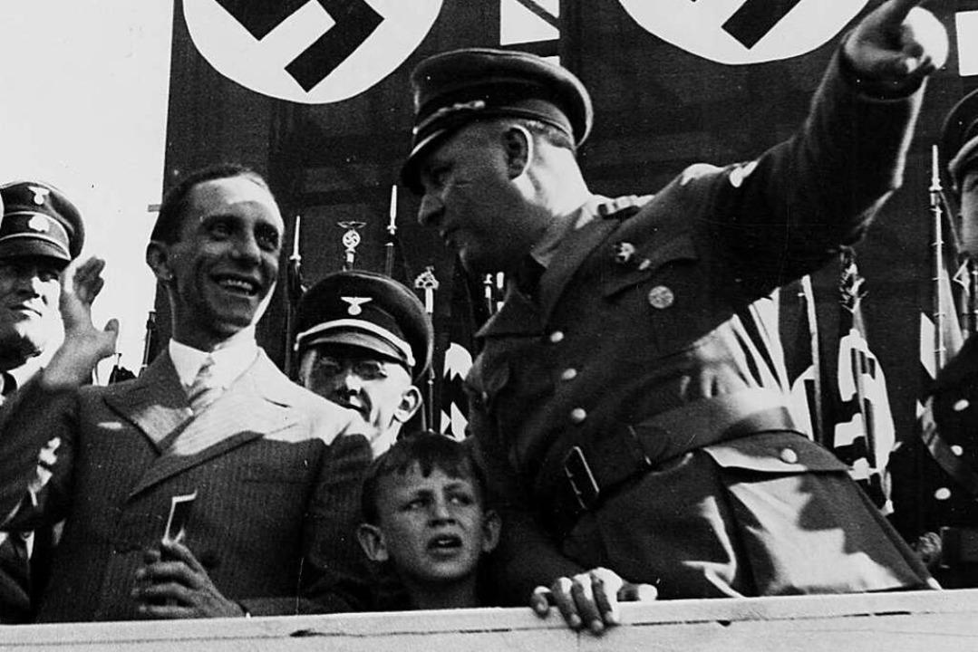 Franz Kerber, mit Reichspropagandamini...einer Kundgebung auf dem Meßplatz 1934  | Foto: ZVG