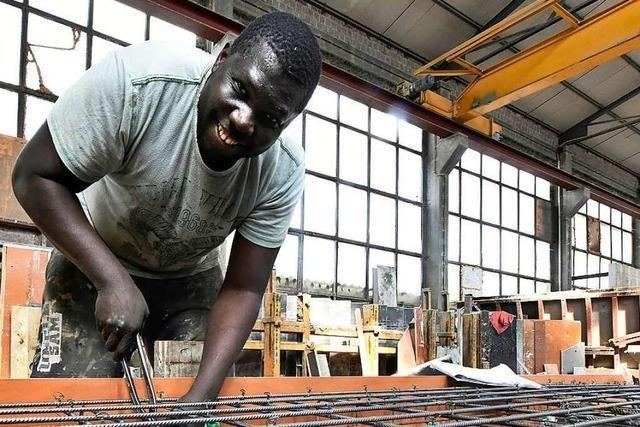 Wie Buba Sonko zum gefragten Betonbauer in Freiburg wurde