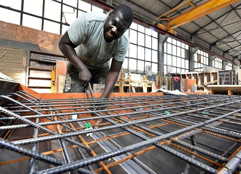 Buba Sonko absolvierte eine Ausbildung zum  zum Beton- und Stahlbetonbauer.  | Foto: Michael Bamberger
