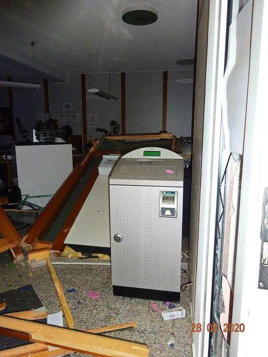 Die Explosion hat den Innenraum durcheinandergewirbelt.  | Foto: Polizeipräsidium Freiburg