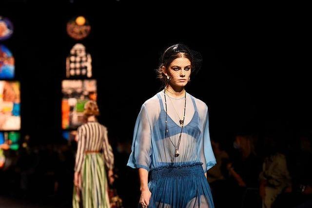 Pariser Fashion Week trotz Corona mit echten Modeschauen