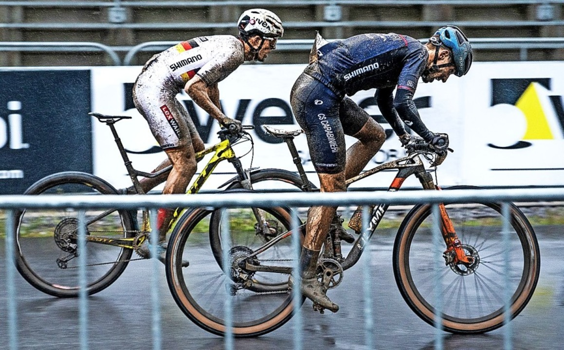 Fünfter im ersten Rennen im Regen von ...s) im Sprintduell mit Daniele Braidot   | Foto: Lynn Siegel