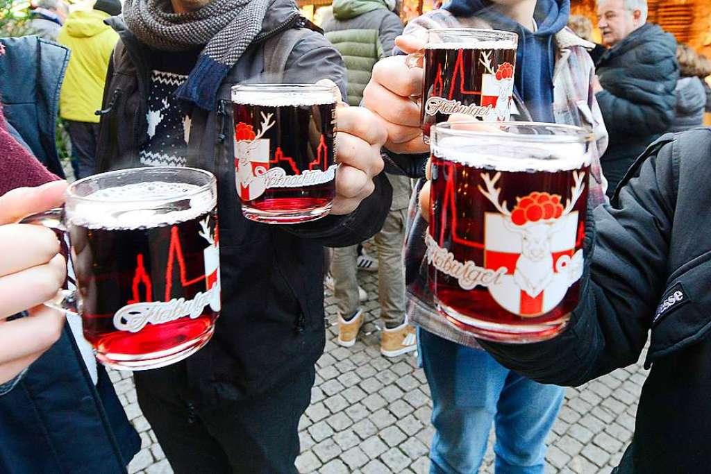 Beschluss: Kein Glühwein mit Alkohol auf dem Freiburger Weihnachtsmarkt - Altstadt - Badische Zeitung