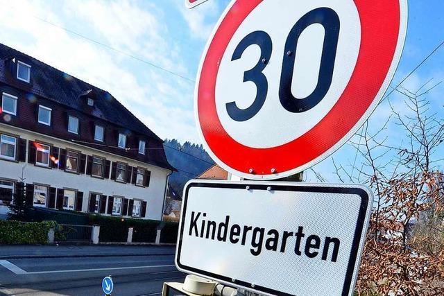 Tempo-30-Wirrwarr in der Freiburger Hansjakobstraße endet