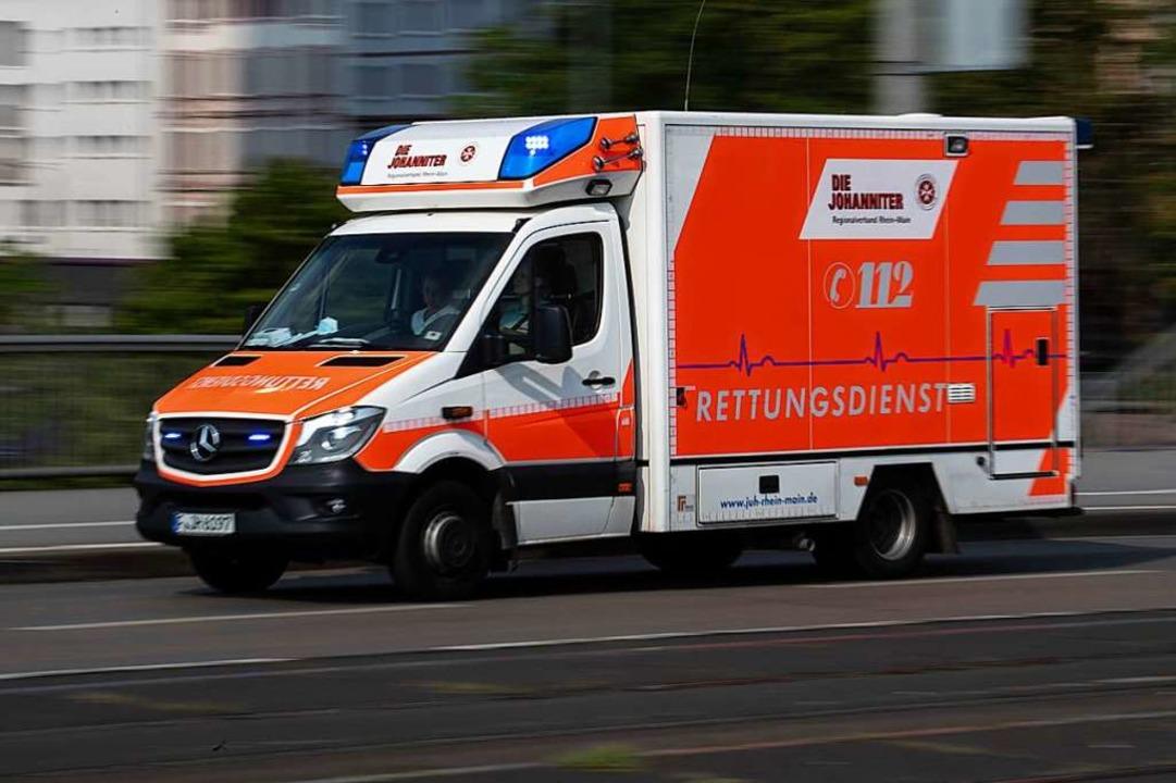Beim Unfall entstand glücklicherweise nur Sachschaden (Symbolbild).  | Foto: Boris Roessler (dpa)