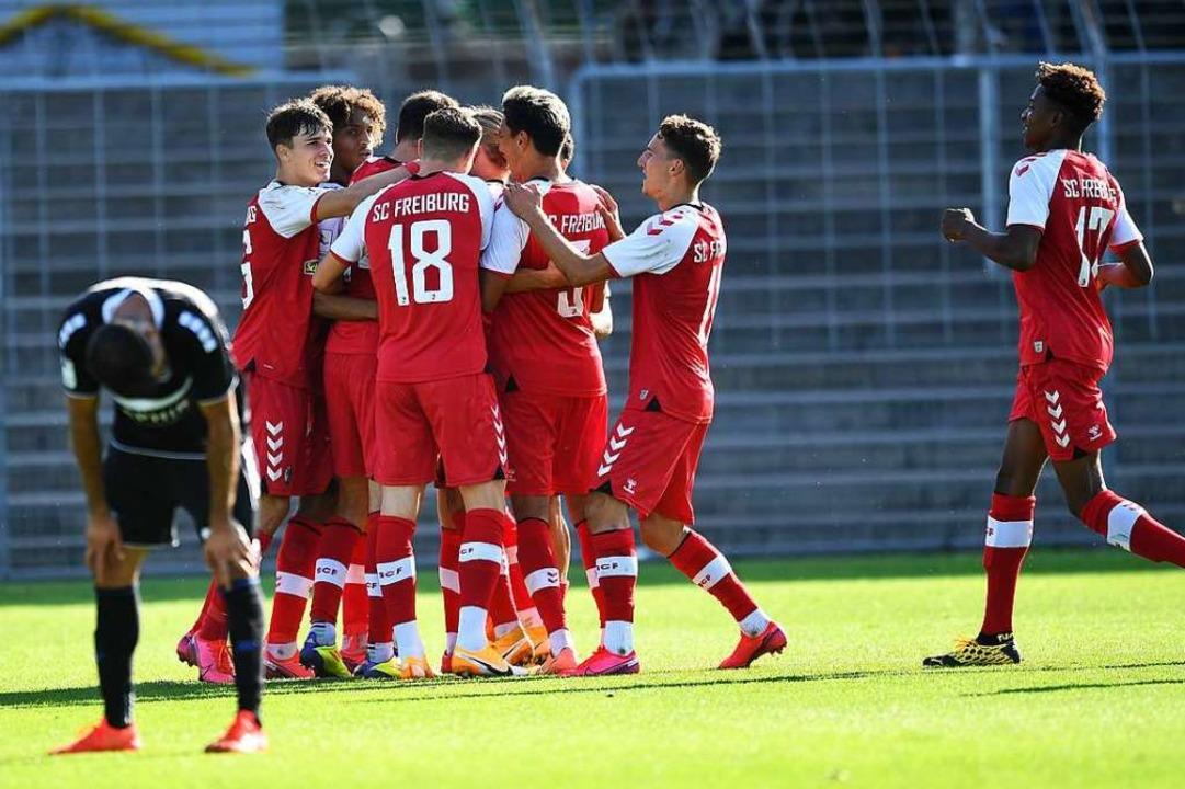 Der SC Freiburg II feiert derzeit Tore...e am Mittwoch-Spieltag ein 5:0-Erfolg.  | Foto: Achim Keller