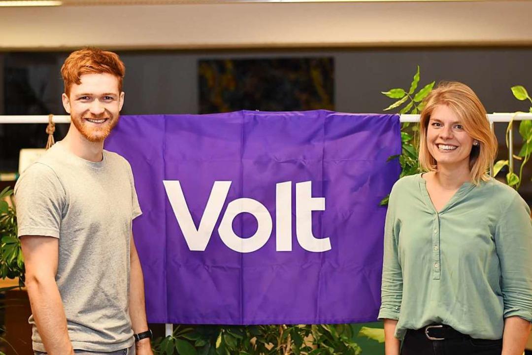 Wollen mit Volt in den Landtag: Franz-Josef Siegemund und Lisa Weinfurtner  | Foto: Volt