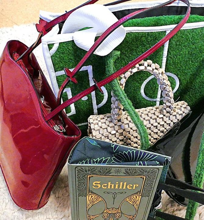 Mehrere hundert Taschen wurden gespendet.   | Foto: Sabine Ehrentreich