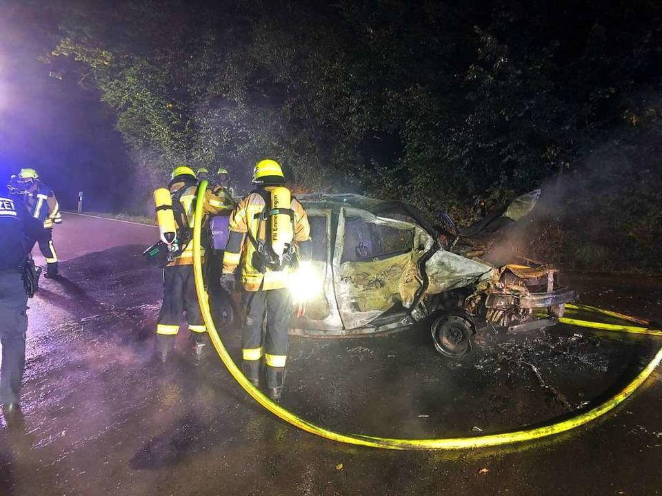 Beschleunigt wurde das Feuer, das den ...Auto verbauten Gastank, der leck ging.  | Foto: Feuerwehr Emmendingen