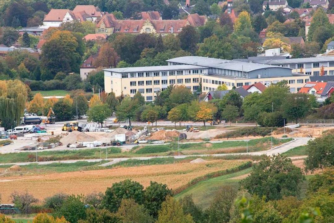 Die Erschließung für das Wohngebiet &#...ie Grundstücke vergeben werden sollen.  | Foto: Volker Münch