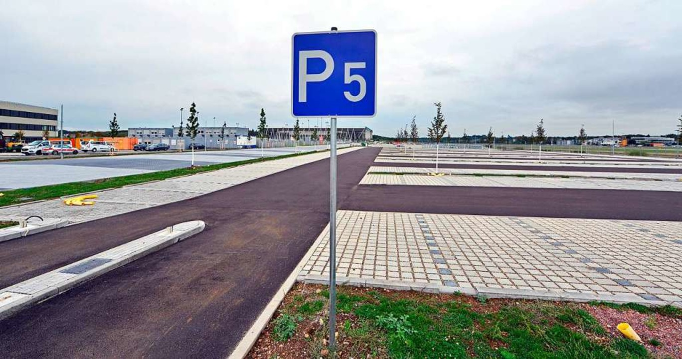 Parkplätze für Fußballfans und Besucher der Uni-Institute  | Foto: Michael Bamberger
