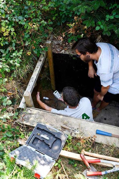 Unterirdisch: Mit speziellen Messgerät...er die Bodenbeschaffenheit untersucht.  | Foto: Thomas Kunz