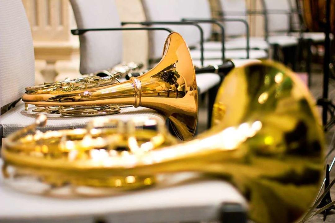 Instrumente abgelegt und lange nicht m...Corona-Beschränkungen besonders  hart.  | Foto: rubchikova  (stock.adobe.com)