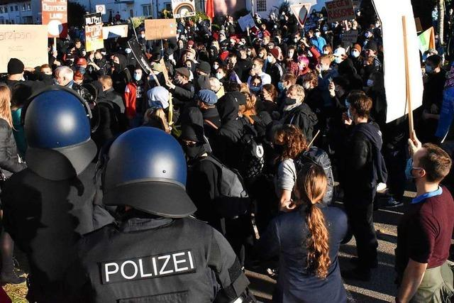 1000 Menschen protestieren in Steinen gegen AfD-Veranstaltung mit Gauland