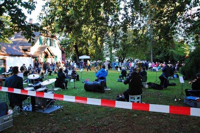 Klappstuhl-Konzert der Stadtmusik Weil am Rhein ein voller Erfolg
