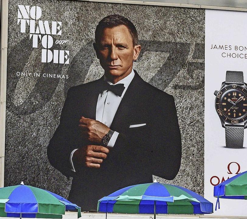 Verfrüht plakatiert: Ankündigung  des neuen Bond  | Foto: MLADEN ANTONOV (AFP)