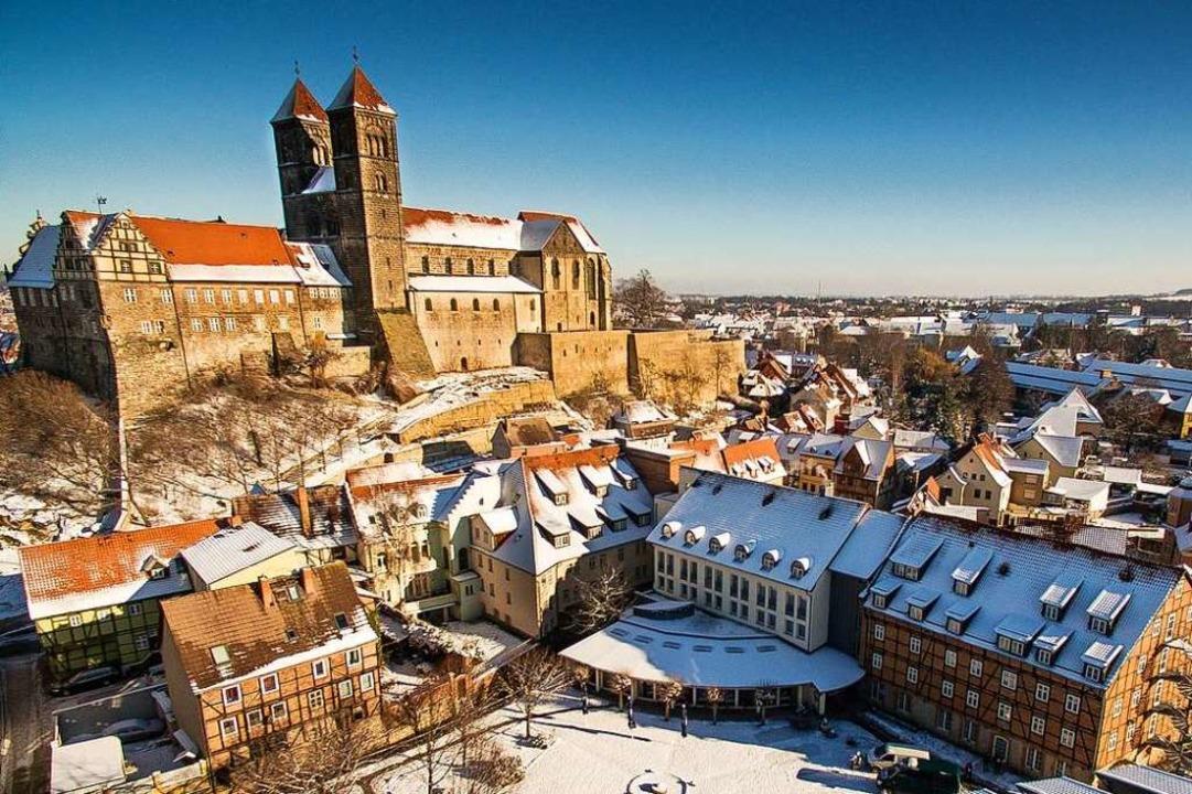 Die Stiftskirche Sankt Servatii thront über Quedlinburg.  | Foto: Best Western Hotel Schlossmühle