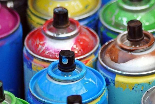Sprayer sprühen 35 Graffiti in der Wiehre – mehrere Tausend Euro Schaden